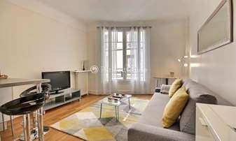 Rent Apartment 1 Bedroom 32m² rue Raffet, 16 Paris