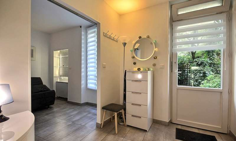 Rent Apartment Studio 20m² rue de Charenton, 12 Paris