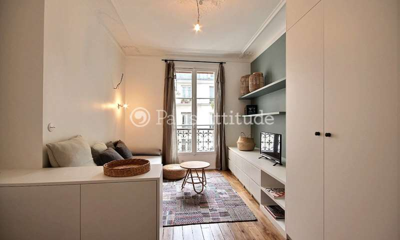 Rent Apartment Studio 25m² rue Turgot, 9 Paris