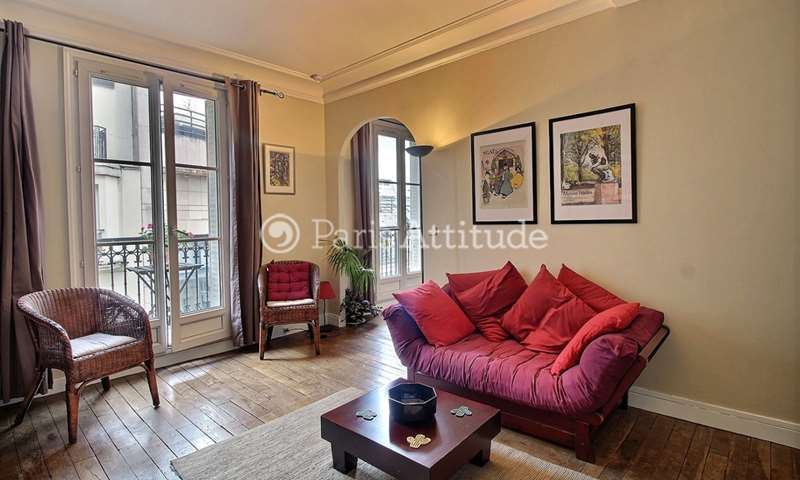 Rent Apartment Alcove Studio 35m² rue de la Fontaine Du But, 18 Paris