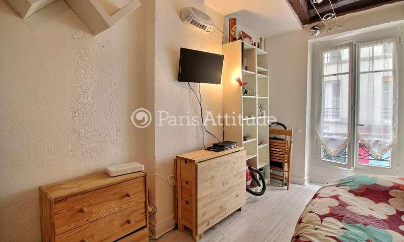 Location Appartement Studio 18m² rue Veron, 18 Paris