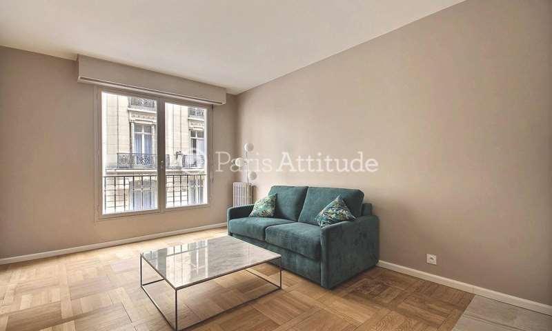 Rent Apartment Studio 24m² rue Beaujon, 8 Paris