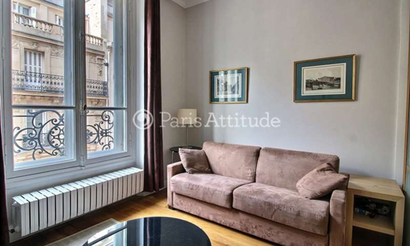 Rent Apartment 1 Bedroom 45m² rue de Berri, 8 Paris