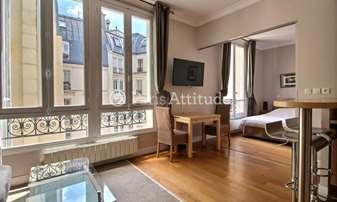 Rent Apartment 1 Bedroom 42m² rue de Berri, 8 Paris