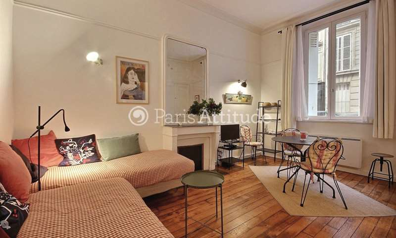 Rent Apartment Studio 29m² rue Moncey, 9 Paris