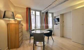 Aluguel Apartamento Quitinete 24m² rue Sainte Croix de la Bretonnerie, 4 Paris