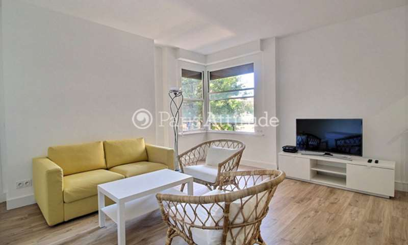 Rent Apartment 1 Bedroom 64m² rue de Vaugirard, 15 Paris
