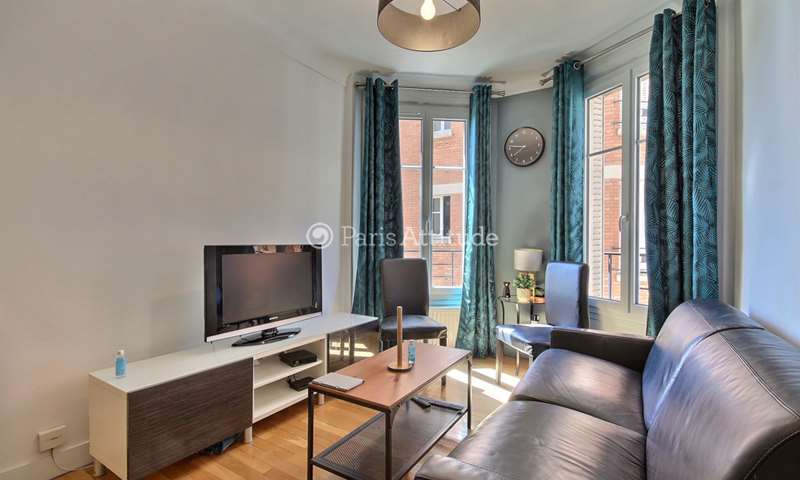 Rent Apartment Studio 26m² place violet, 15 Paris