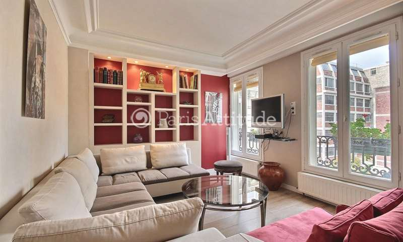Rent Apartment 2 Bedroom 85m² boulevard de Clichy, 75018 Paris