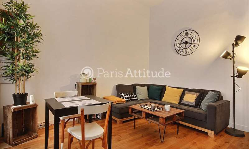 Rent Triplex 1 Bedroom 40m² rue Andre Del Sarte, 18 Paris
