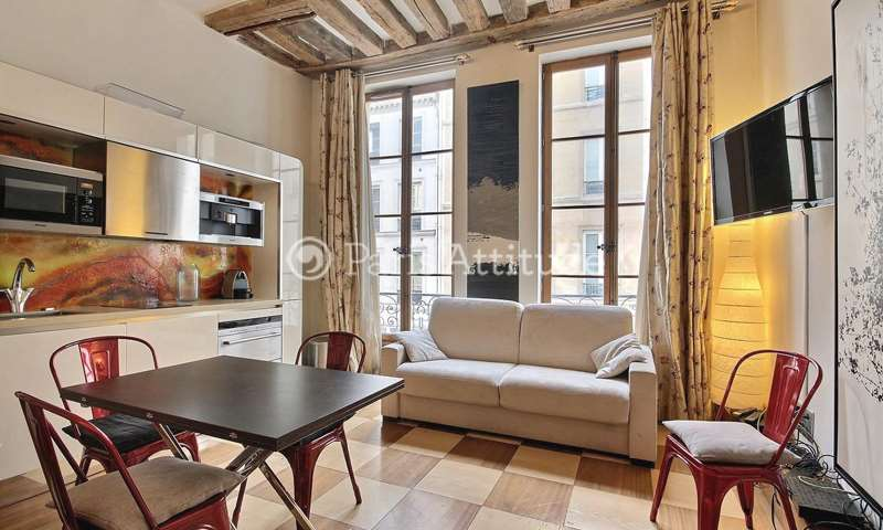 Rent Apartment 1 Bedroom 34m² rue Saint Honore, 1 Paris