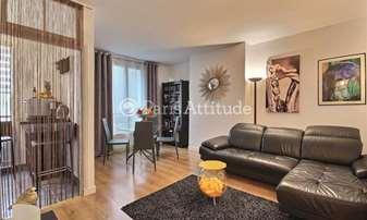 Rent Apartment 1 Bedroom 45m² rue de Bassano, 16 Paris