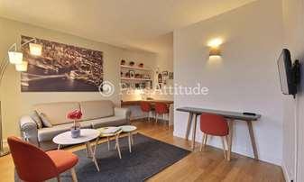 Rent Apartment 1 Bedroom 40m² avenue Trudaine, 9 Paris