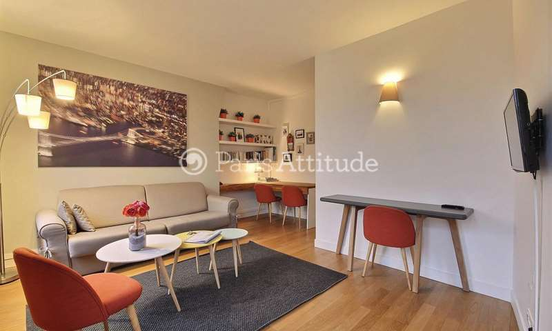 Rent Apartment 1 Bedroom 40m² avenue Trudaine, 9 Paris