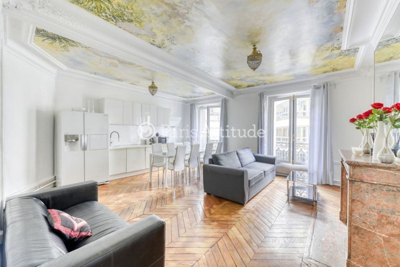 Location Appartement 3 Chambres 105m² rue du Colisee, 75008 Paris