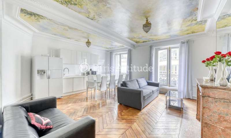 Rent Apartment 3 Bedrooms 105m² rue du Colisee, 8 Paris