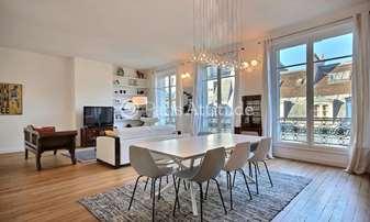 Rent Apartment 2 Bedrooms 109m² rue du Temple, 3 Paris