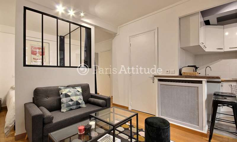 Rent Apartment Alcove Studio 30m² rue du Dobropol, 75017 Paris