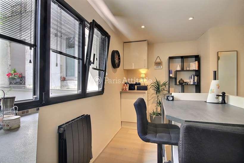 Louer Duplex meublé 1 Chambre 28m² rue Tholoze, 75018 Paris