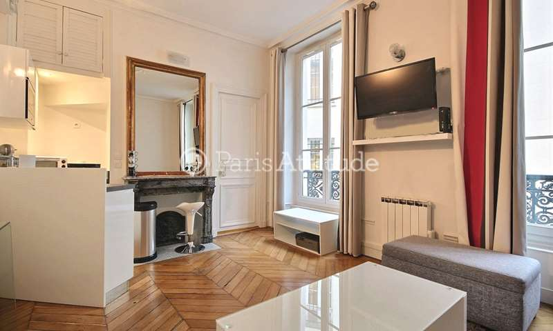 Rent Apartment Alcove Studio 27m² rue Saint Lazare, 75009 Paris