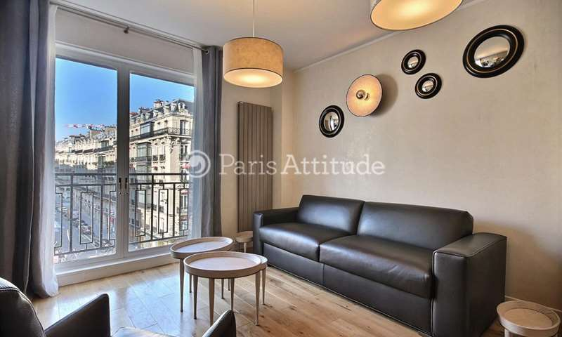 Rent Apartment 1 Bedroom 48m² avenue Montaigne, 8 Paris