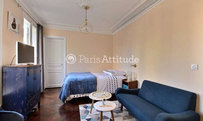 Rent Apartment Studio 23m² rue de Vezelay, 8 Paris