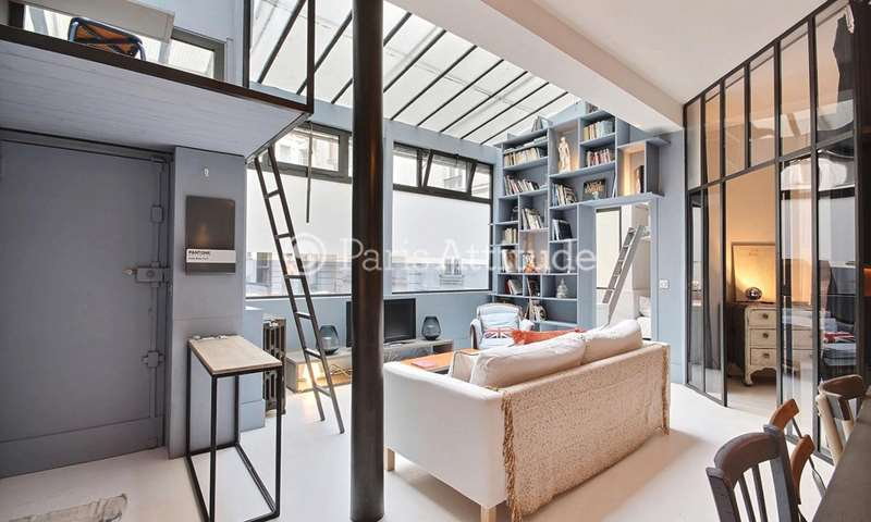 Rent Loft 2 Bedrooms 58m² rue de Rochechouart, 9 Paris