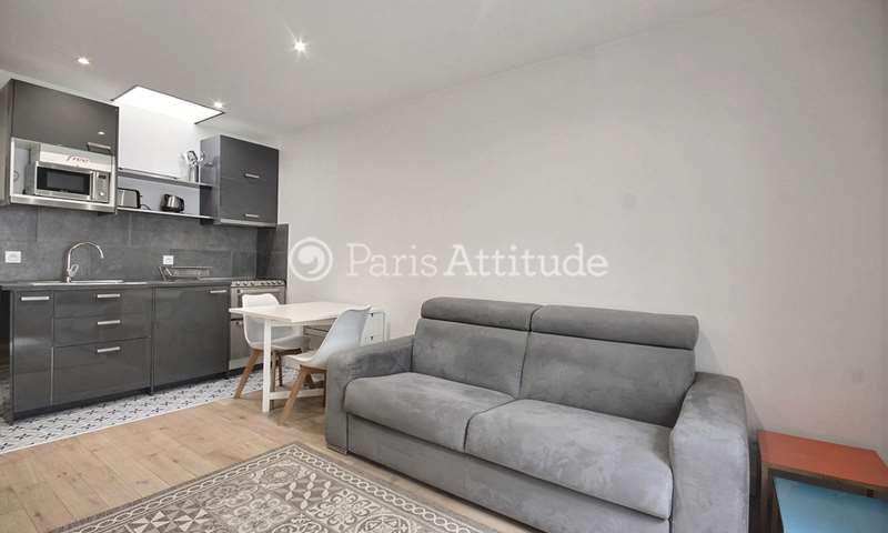 Location Appartement Studio 24m² rue Ponthieu, 75008 Paris
