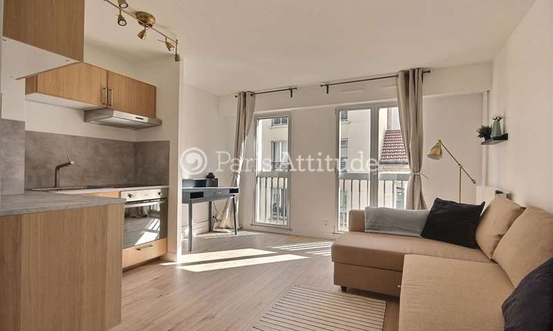 Rent Apartment Studio 27m² rue Bachelet, 18 Paris