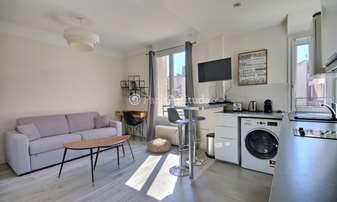 Rent Apartment Studio 22m² rue Barbes, 92300 Levallois Perret