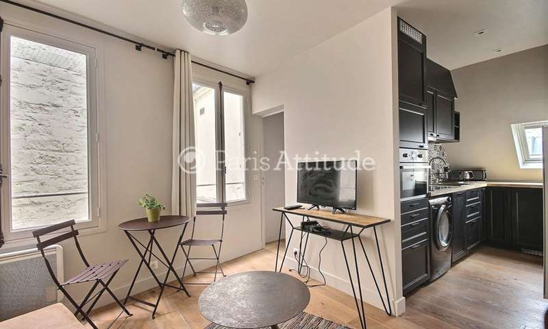 Rent Apartment 1 Bedroom 25m² rue de Rivoli, 75004 Paris
