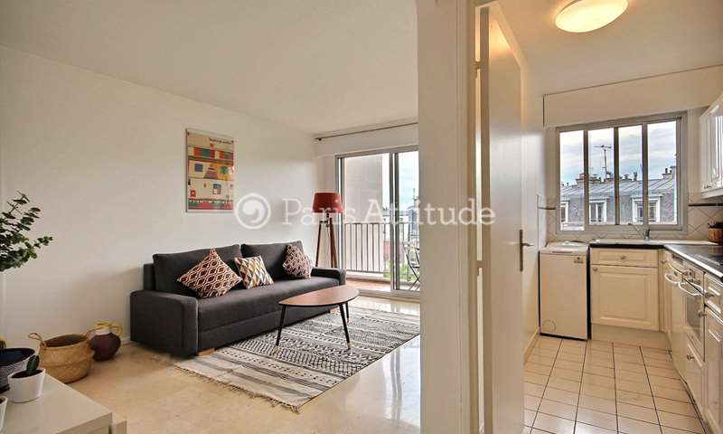 Rent Apartment 1 Bedroom 45m² rue Francoeur, 18 Paris