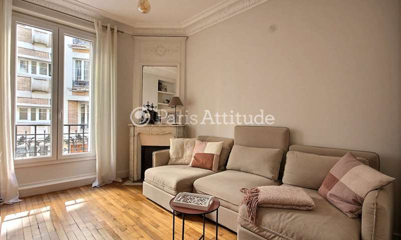 Rent Apartment 1 Bedroom 42m² rue de Tretaigne, 18 Paris
