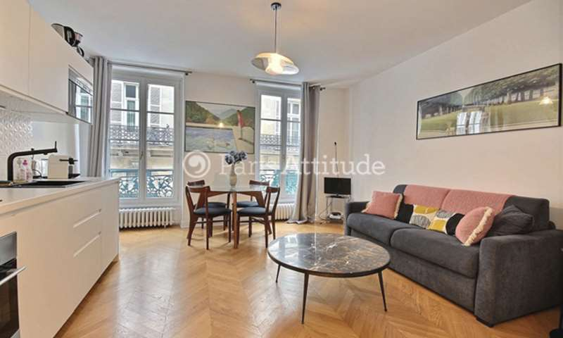 Rent Apartment 2 Bedroom 50m² rue Washington, 75008 Paris