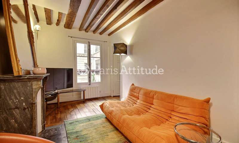 Rent Apartment 2 Bedroom 64m² rue du Bac, 75007 Paris