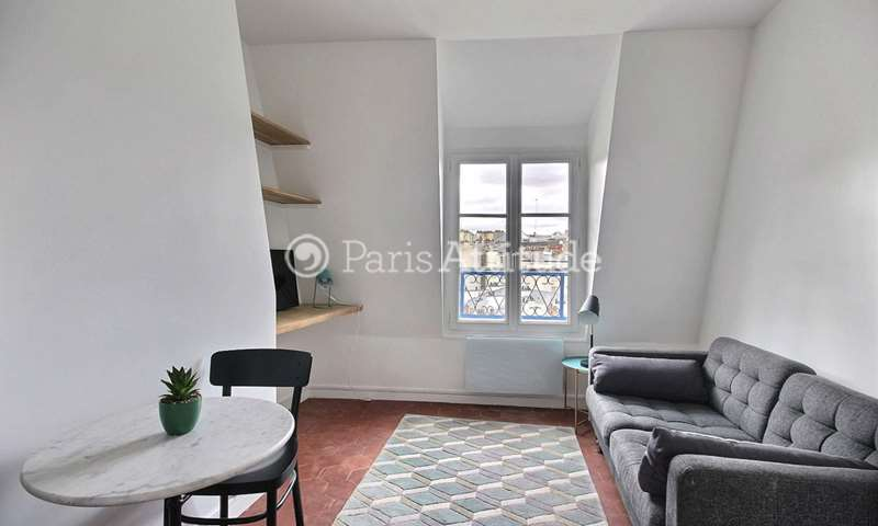 Rent Apartment Alcove Studio 22m² rue des Poissoniers, 18 Paris