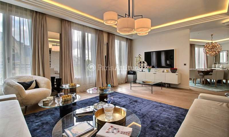 Rent Duplex 4 Bedrooms 200m² avenue Pierre 1er de Serbie, 16 Paris