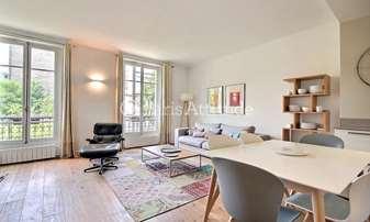 Rent Apartment 2 Bedrooms 76m² avenue Kleber, 16 Paris