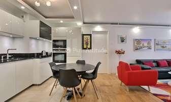 Rent Apartment 2 Bedrooms 72m² rue de Clichy, 9 Paris