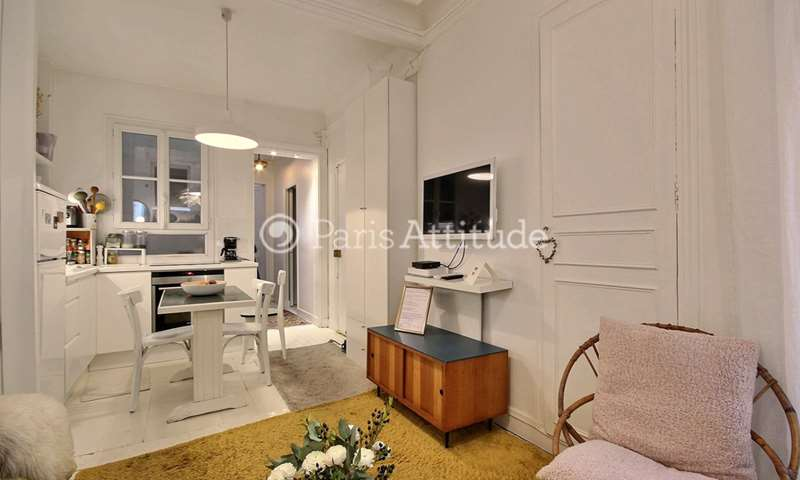 Rent Apartment 2 Bedrooms 47m² rue de Dunkerque, 75009 Paris