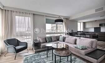 Rent Apartment 2 Bedrooms 85m² quai de Grenelle, 15 Paris