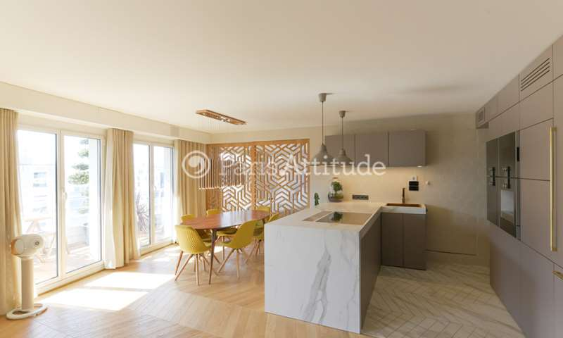Rent Apartment 3 Bedrooms 88m² avenue Daumesnil, 12 Paris
