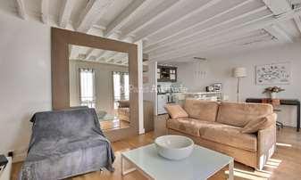 Location Appartement 1 Chambre 42m² rue du Temple, 4 Paris