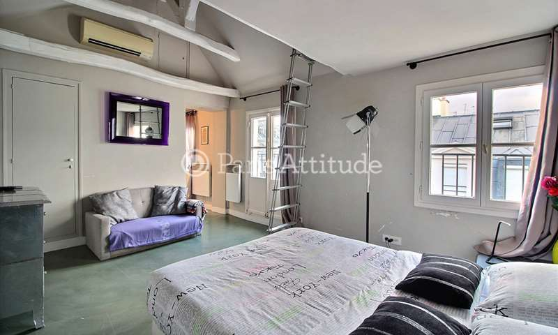 Location Appartement Studio 40m² rue des Saints Peres, 6 Paris