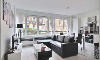 Rent Apartment 1 Bedroom 49m² rue Laugier, 17 Paris
