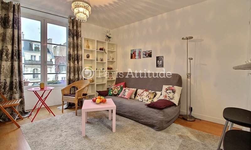 Location Appartement Studio 20m² rue Saint Antoine, 4 Paris
