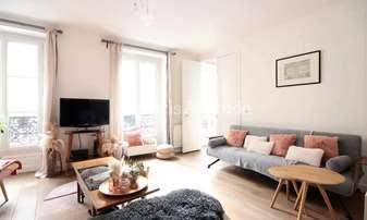 Location Appartement 2 Chambres 91m² rue Bleue, 9 Paris