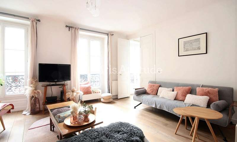 Rent Apartment 2 Bedroom 91m² rue Bleue, 75009 Paris
