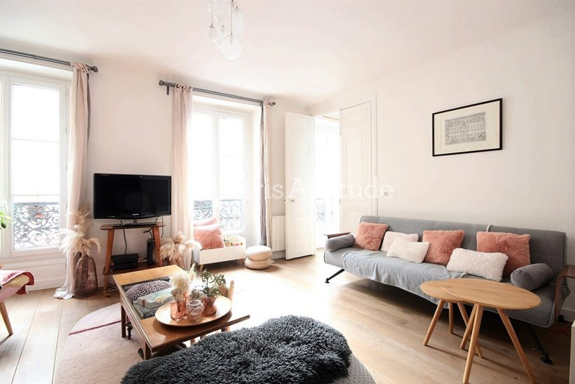 Rent furnished Apartment 2 Bedrooms 91m² rue Bleue, 75009 Paris
