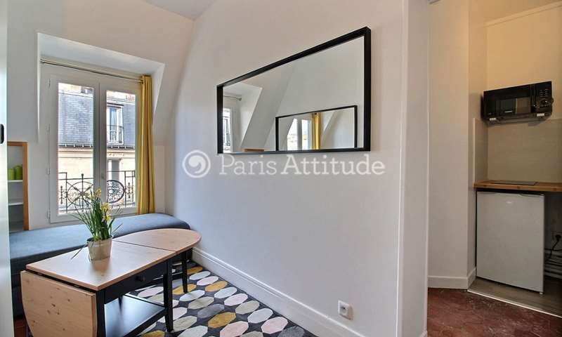 Rent Apartment Alcove Studio 18m² rue de Rochechouart, 9 Paris